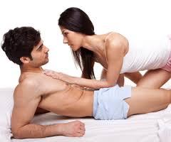 жена, разочарована от липсата на ерекция на голото си мъжле