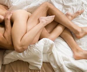 голо дупе- двойка прави секс